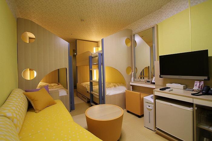 20160308-s-200_stay_forestcabin_yellow.jpg
