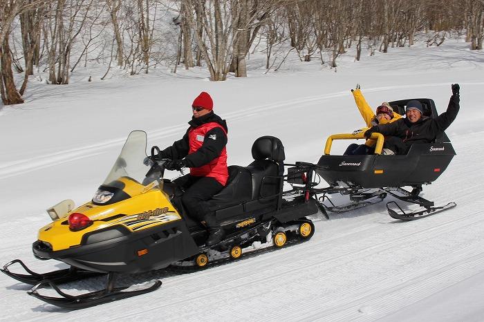 20160309-s-200_ski_snowcoach.jpg