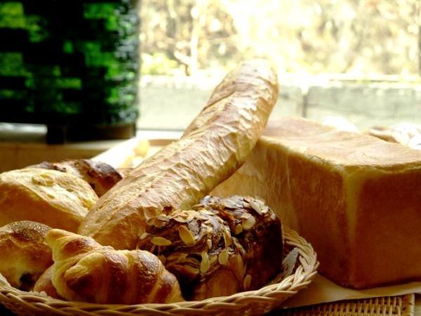 20160317-s-juraku_bread.jpg