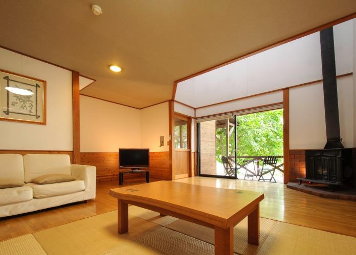 20160421-s-gatuni_room.jpg