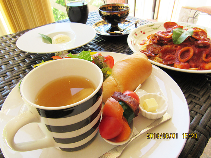 Café 1010>